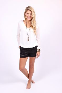 2183ff264ec Such a great top for transitioning into Spring. Dress it up with black  skinnies and