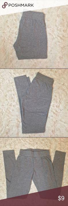 Mossimo Supply Co leggings Small Massimo supply Co. leggings size small. 95% cotton 5% spandex. Like new conditions, no trades Mossimo Supply Co. Pants Leggings