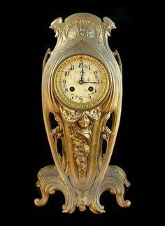 ♔ French Nouveau bronze clock