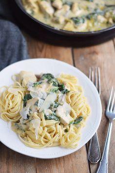 Pasta mit Spinat-Haehnchen-Parmesan-Sauce - Chicken Parmesan Spinach Pasta (2)