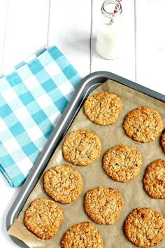 Double Ginger Oat Cookies Oat Biscuit Recipe, Oat Cookie Recipe, Oat Cookies, Ginger Cookies, Biscuit Cookies, Cookie Recipes, Slimming World Cookies, Healthy Biscuits, Chocolate Recipes