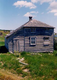 The Hipped Saltbox House with Linney (2)376 x 526 | 90.6KB | faculty.marianopolis.edu