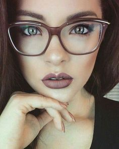 f9db6c5990c 20+ Trendy Women Glasses Ideas You Can Combine To Your Style Wearing Glasses