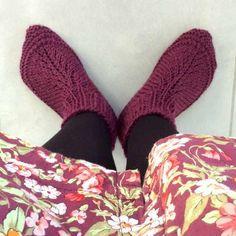 chaussons aux pieds