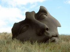 Igor Mitoraj - Light of the Moon (1991) location: Museum Beelden aan Zee, Scheveningen, Netherlands