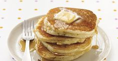 Make delicious homemade pancakes in under 30 minutes with this simple recipe. Our recipe for classic pancakes made from scratch is the perfect weekend breakfast. What's For Breakfast, Breakfast Items, Breakfast Dishes, Breakfast Recipes, Easy Basic Pancake Recipe, Best Pancake Recipe, Pancake Recipe All Purpose Flour, Martha Stewart Basic Pancake Recipe, Martha Stewart Pancakes