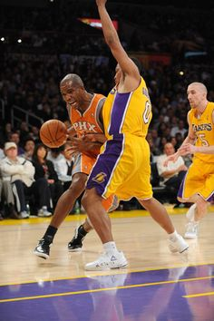 2/17/12 Lakers wins over Suns