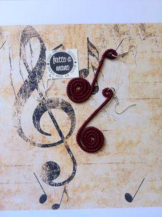 Orecchini a forma di nota musicale  6€