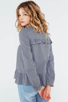 Blouse Rosaline vichy Simply Fashion, Fashion Mode, Hijab Fashion, Fashion Looks, Fashion Outfits, Style Casual, Casual Tops, Hijab Style, Couture Tops