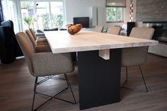 Pink dining table / tafel / Esszimmertisch @ Egetemeier Wohnkultur