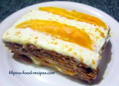 Mango Graham Cake slice: The Mango Graham cake is a refrigerated, no-bake cake that is so easy to make that even kids could do it. Years ago, an office mate brought a refrigerated Cake Recipes, Dessert Recipes, Desserts, Yummy Recipes, Mango Graham Cake, Pinoy Dessert, Island Food, No Bake Treats, How To Make Salad