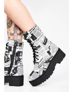 Fashion Boots, Sneakers Fashion, Kawaii Shoes, Punk Boots, Sneakers Mode, Aesthetic Shoes, Hype Shoes, Shoes Uk, Fresh Shoes