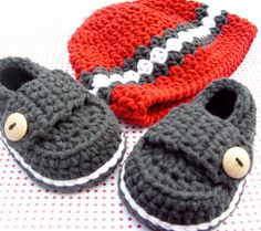 Baby Hat and Bootie Shoe Crocheted Gift Set