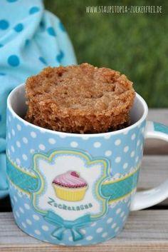 Dieser aromatische Low Carb Lebkuchen Tassenkuchen duftet nicht nur nach Weihnachten, er schmeckt auch so. Natürlich kommt der Low Carb Tassenkuchen ohne Zucker und ohne Mehl aus und du kannst ihn in weniger als 5 Minuten backen. Probier es also am besten gleich aus! #lebkuchen #mugcake #weihnachtsbäckerei #lowcarb #rezept