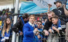 Ciência do esporte e liderança: quem é o técnico de 29 anos que encanta a Europa