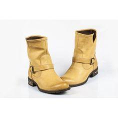 Dámske čižmičky - pieskové - manozo.hu Biker, Boots, Fashion, Crotch Boots, Moda, Fashion Styles, Shoe Boot, Fashion Illustrations
