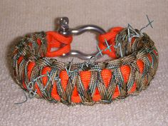"""Paracord bracelet King Cobra """"Double Stack"""" with Stainless Steel Shackle"""