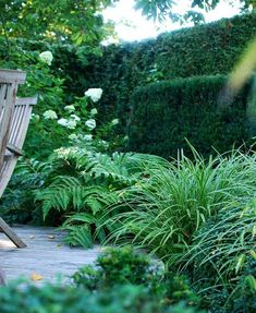 20 Easy Landscaping Ideas for Your Front Yard is part of Backyard vegetable gardens - Cue instant curb appeal Backyard Vegetable Gardens, Outdoor Gardens, Front Yard Landscaping, Backyard Landscaping, Landscaping Ideas, Backyard Ideas, Garden Cottage, Garden Bed, Water Garden