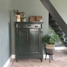 Se i Esmee - Eline - # Look - Look in Esmee . Se i Esmee - Eline - # Look - Look in Esmee - ElineAlpina Feine Farben - tavshedens poesiNyt tæppe # opholdsrum # skandinavisk # væ. Modern Interior Design, Interior Styling, Interior Decorating, My Living Room, Home And Living, Living Room Inspiration, Interior Inspiration, First Home, Painted Furniture