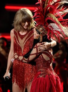 Pin for Later: A Guide to All of Taylor Swift's Feuds, Friendships, and Flames Nicki Minaj: Friend