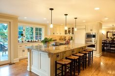 Trendy Kitchen Island With Seating Stove Wall Colors Kitchen Island With Cooktop, Island Cooktop, Kitchen Layouts With Island, Kitchen Island With Seating, Diy Kitchen Island, Country Kitchen, Kitchen Flooring, Kitchen Countertops, Kitchen Furniture