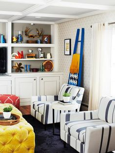 *****Customized From Top to Bottom - Most Embarrassing Living Room on HGTV
