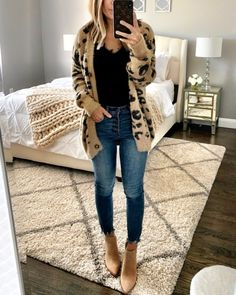 21 Simple Casual Fall Outfit With Oversized Cardigan - ClassyStylee Fall Fashion Outfits, Casual Fall Outfits, Fall Winter Outfits, Autumn Fashion, Cute Outfits, Womens Fashion, Fashion Belts, Fashion Brands, High Fashion