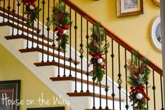 1000 Ideas About Christmas Staircase Decor On Pinterest