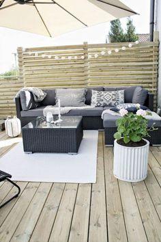 Cozy Backyard Patio Deck Designs Ideas for Relaxing 26 Small Backyard Decks, Cozy Backyard, Backyard Privacy, Backyard Landscaping, Garden Privacy, Privacy Wall On Deck, Balcony Privacy, Backyard Ideas, Small Terrace