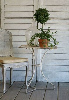 Vintage French... the garden table