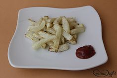 patatas fritas de nabo al horno Side Dishes, Recetas Light, Arrows, Tinkerbell, Recipes, Recipes With Vegetables, Healthy Food, Chicken Curry, Diners
