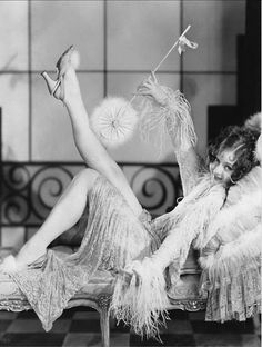 """zelda fitzgerald """"She refused to be bored. Chiefly because she wasn't boring"""" ~ Zelda Fitzgerald Zelda Fitzgerald, Scott Fitzgerald, Flapper Girls, Flapper Style, Gatsby Style, Flapper Fashion, Fashion 1920s, 1920s Style, Gatsby Girl"""