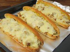 Bajor melegszendvics Avocado Tatar, Meat Recipes, Cooking Recipes, Junk Food, Hungarian Recipes, Vegan Dishes, Diy Food, No Cook Meals, Street Food