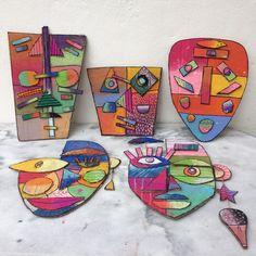 Les ateliers ARTiFun – atelier d'arts plastiques et loisirs créatifs en Gua… The workshops ARTiFun – workshop of the plastic arts and the creative hobbies in Guadeloupe: MASQUES DÉCO Club D'art, Art Club, Art Picasso, Classe D'art, Afrique Art, Atelier D Art, Art And Craft Videos, Cardboard Art, Plastic Art