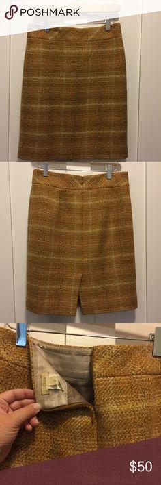 J.Crew Pencil skirt Perfect fall work skirt! Wool pencil skirt from J.Crew J. Crew Skirts Pencil