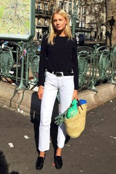 le fashion image blogger bag black top long sleeves black sweater white jeans high waisted jeans black flats basket bag jeans cropped bootcut white jeans cropped jeans cropped bootcut jeans top shoes black shoes flats belt streetstyle