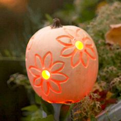 Check out our unique pumpkin decorating ideas. This Halloween, your front porch will be sporting a new take on the traditional jack-o'-lantern. Check out these new ways to paint, sculpt, and embellish your pumpkins. Halloween Items, Holidays Halloween, Halloween Pumpkins, Halloween Crafts, Amazing Pumpkin Carving, Pumpkin Carvings, Pumpkin Uses, Pumpkin Flower, Pumpkin Decorating