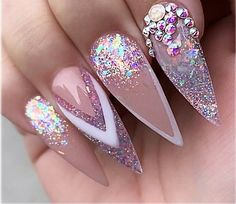 What Christmas manicure to choose for a festive mood - My Nails Beautiful Nail Art, Gorgeous Nails, Pretty Nails, Gel Nails, Acrylic Nails, Manicure, Rhinestone Nails, Bling Nails, Cute Nail Designs
