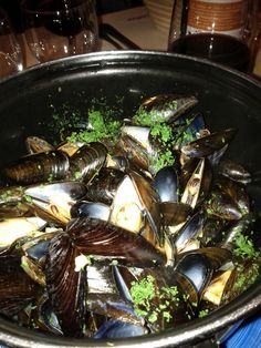 Mussels for Dinner - dinner in Paris    Me and Jorge: Belly Fat Cure Diet: vacation | Blogging my way through the Belly Fat Cure Diet by Jorge Cruise