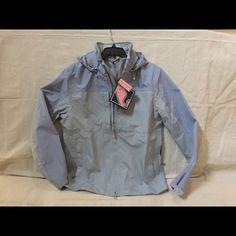 Vineyard Vines Raincoat Amity Jacket, size SM, gray/blue color, waterproof, side zips for ventilation, NWT Vineyard Vines Jackets & Coats