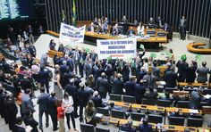 O mensalão de Dilma  Sem qualquer freio moral e com dinheiro do Orçamento, o Planalto volta a comprar apoio parlamentar num último esforço para livrar a presidente do impeachment. Dois parlamentares do PSB teriam recebido oferta de R$ 2 milhões em troca do voto pró-Dilma