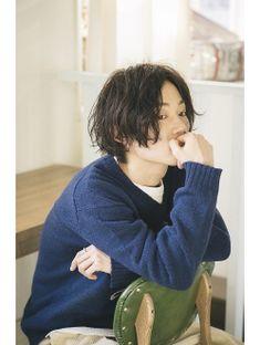 メンズ センターパートにくせ毛パーマ《Belle吉祥寺》 Boy Hairstyles, Pretty Hairstyles, Japan Hairstyle, Two Block Haircut, Korean Boys Hot, Asian Haircut, Hair Reference, Hair Designs, Hair Inspo