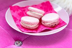 Pikkukokin macaron-keksit Home Food, Macarons, Panna Cotta, Food And Drink, Baking, Ethnic Recipes, Eggs, Dulce De Leche, Bakken