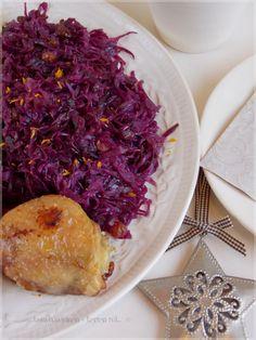 Narancsos mazsolás párolt káposzta Cabbage, Vegetables, Food, Vegetable Recipes, Eten, Veggie Food, Cabbages, Meals, Collard Greens