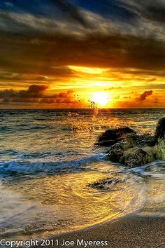 Beautiful Sunrise Beach Wallpapers) – Free Backgrounds and Wallpapers Beautiful Sunrise, Beautiful Beaches, Nature Pictures, Cool Pictures, Landscape Photography, Nature Photography, Photography Photos, All Nature, Amazing Nature