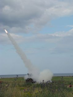 "* 9K31 Strela-1(= SA-9 ""Gaskin"") * Lançador de Míssil 9M31 'Terra-Ar'."