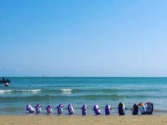 La marcia dei pinguini. #Vieste #Gargano #Puglia #Italia #estate #mare