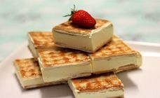 Lemon cheesecake sandwich slice  Ingredients:  2 packets Lattice biscuits  250g unsalted butter  250g caster sugar  250g Philladelphia cream cheese  1 sachet gelatine  1/4 - 1/3 cup lemon juice (fresh or bottled is fine)