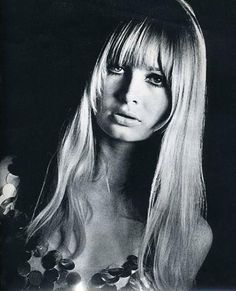 sue murray sleek and sexy Long Hair Cuts, Long Hair Styles, Perfect Bangs, 60s Hair, Sixties Hair, Sixties Fashion, Fashion Designer, Female Images, Messy Hairstyles