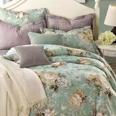 How to choose pillows for floral bedding